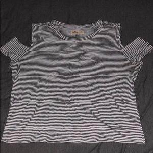 5/$25✨ Hollister B&W Stripe Cold Shoulder Top